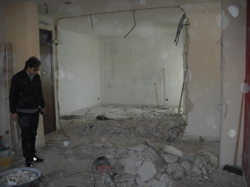 1. demolizioni